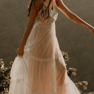 Lulus Elenora White Embroidered Maxi Dress (Small)